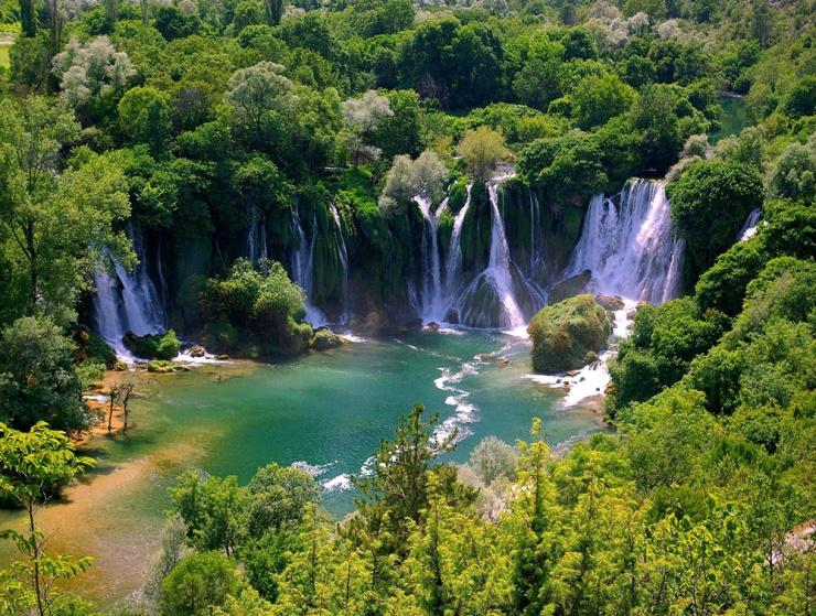 Vodopad-Kravice.jpg